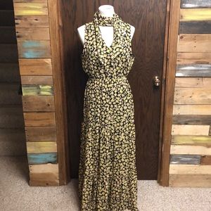 NWT Beautiful Long Floral Dress Size Medium